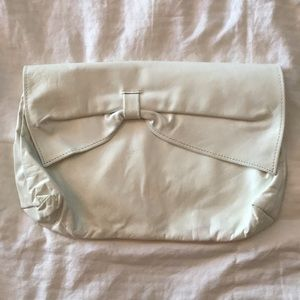 Handbags - Vintage white leather clutch